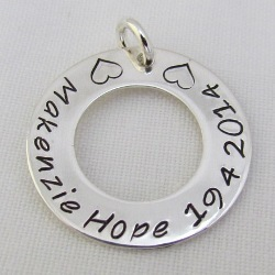 Family Circle   Classic   Sterling Silver Personalised Pendant